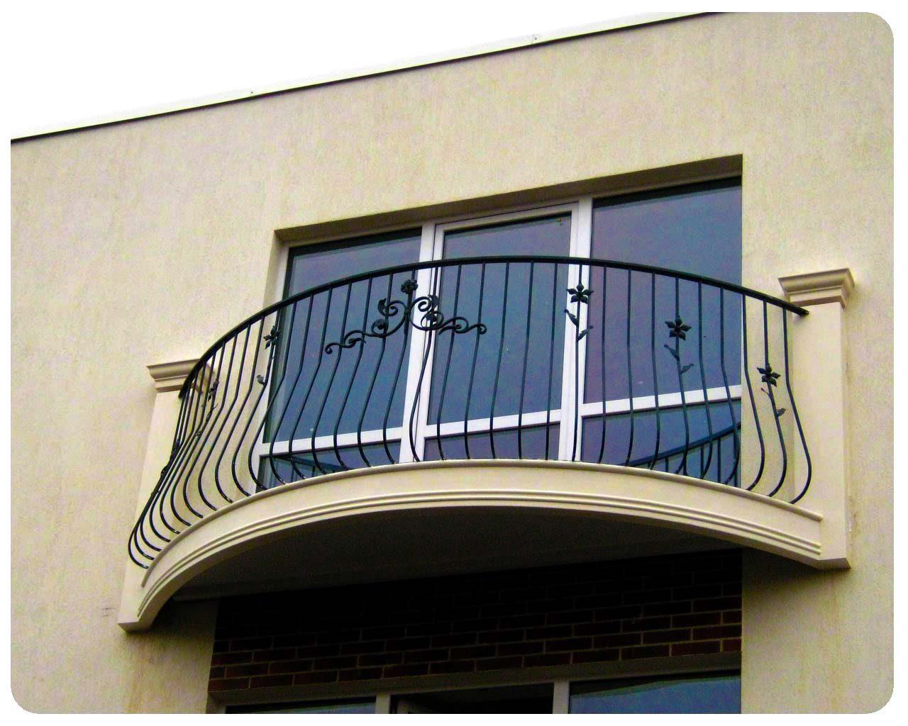 Лепнина на балконе, Частный дом